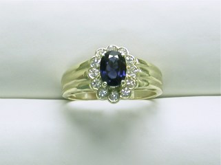 dr-2651 Sapphire ring with halo of diamonds, 14K yellow gold