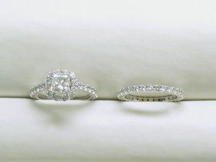 custom eternity diamond wedding band
