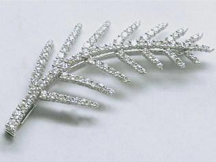 p-223 Leaf style diamond pin in 18K white gold