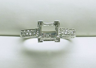 sb-2918 Estate style diamond engagement ring mounting for a princess cut, 18K white gold