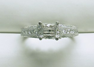 sb-2996 Vintage style engagement ring, in platinum