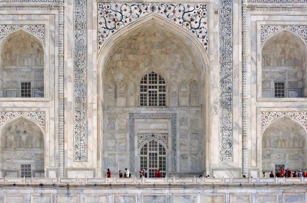 Details of the beautiful white marble on the Taj Mahal