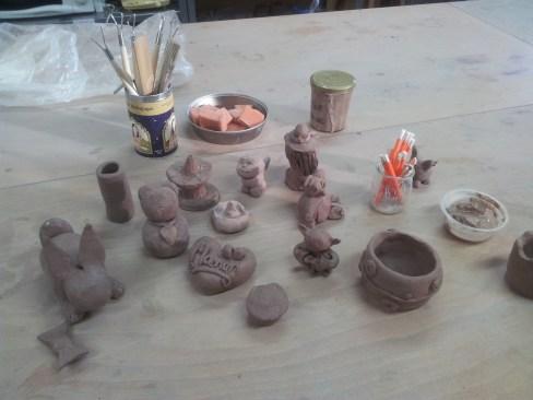 stage-poterie-argile-enfants
