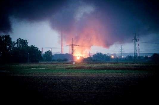 Huit blessés dans l'explosion d'une raffinerie en Allemagne
