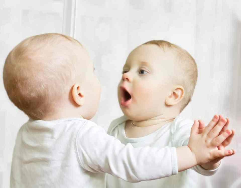 eczéma du bébé sur le visage