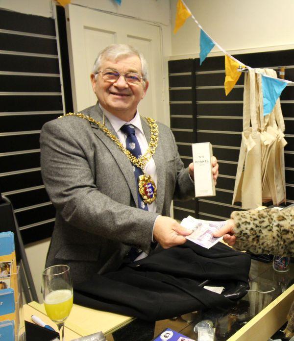 Hastings Mayor Making First Sale