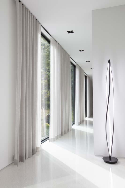 Tessuti moderni e di design, ma anche adatti a ad arredamenti più classici. Tende Moderne Per Interni Tutto Cio Che Devi Sapere