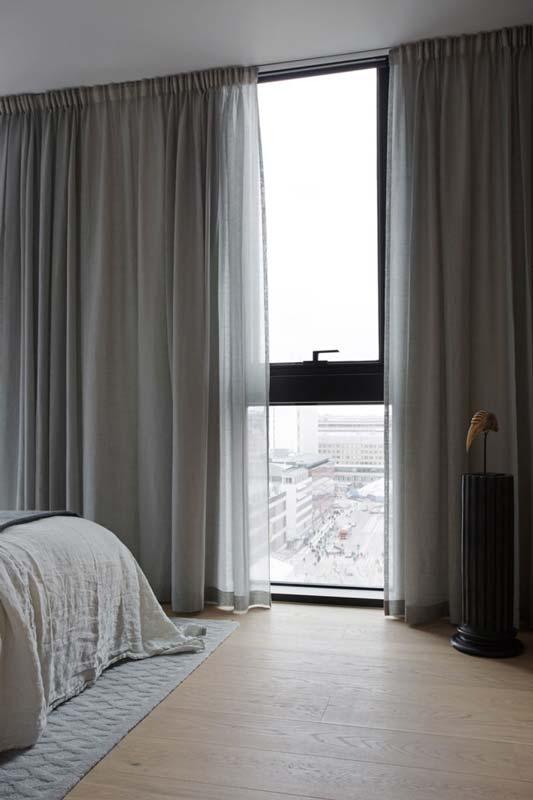 tende per la camera da letto dai motivi astratti potranno ad esempio impreziosire ambienti dall'arredo neutro e sobrio. Tende Moderne Per Interni Tutto Cio Che Devi Sapere