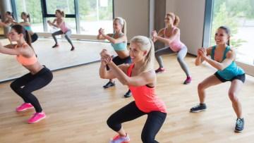 ćwiczące kobiety; szkolenie AST Tabata, szkolenie tabata, trening tabata