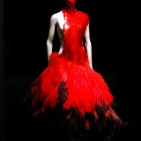 Alexander McQueen : Savage Beauty Exhibition Comes To London