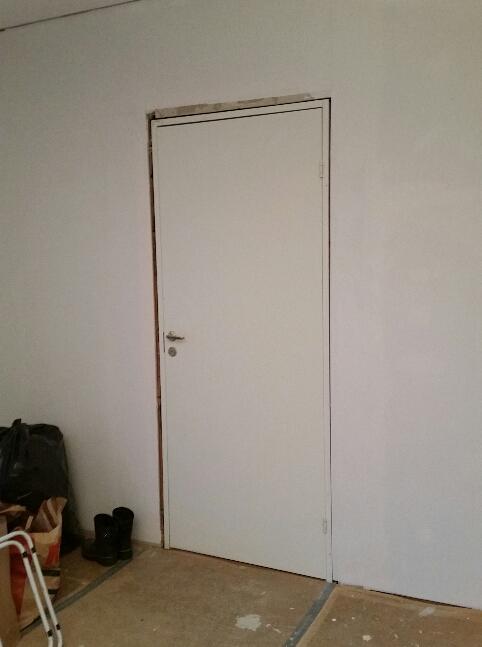 Dörr i sovrummet