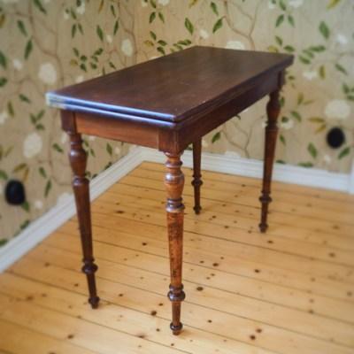 Ett bord – en del historia