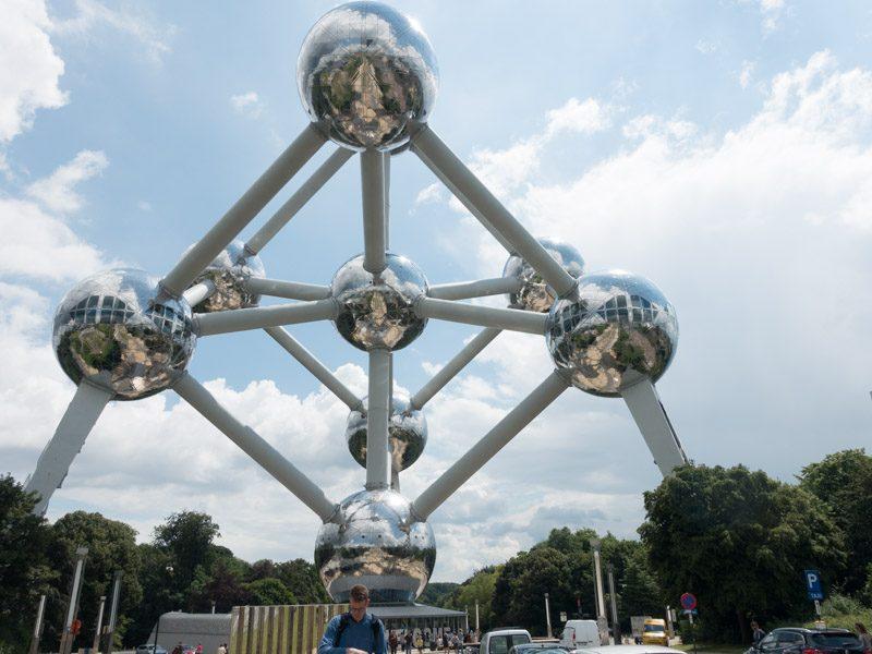 Atomium-12