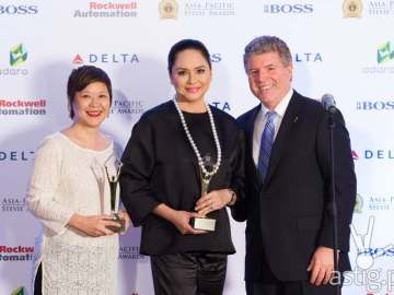 ABS-CBN Integrated Marketing head Cookie Bartolome, ABS-CBN president and CEO Charo Santos-Concio, and Stevie Awards president Michael Gallagher