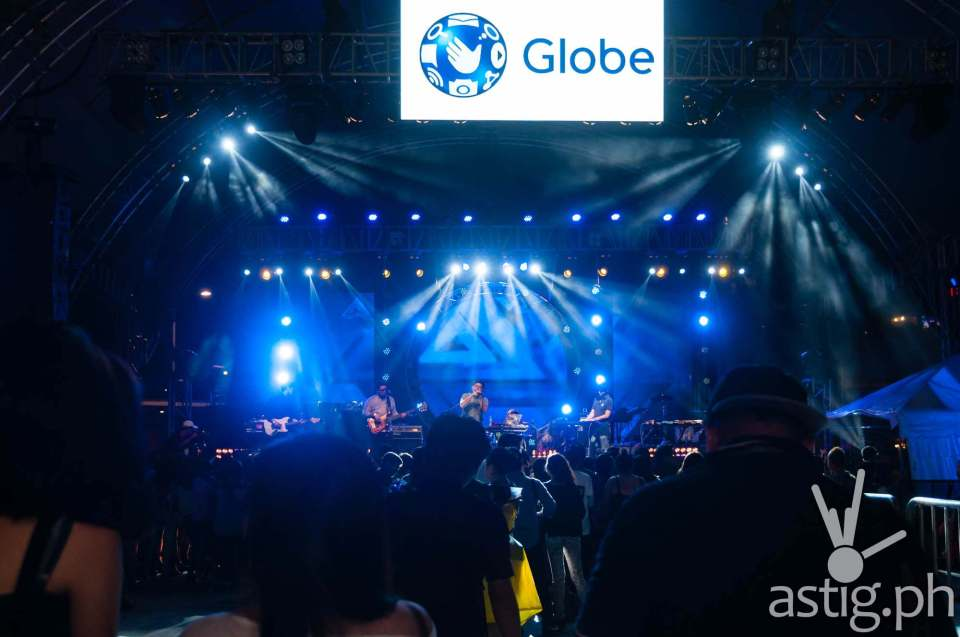 Yolanda Moon performing at the Globe Slipstream concert