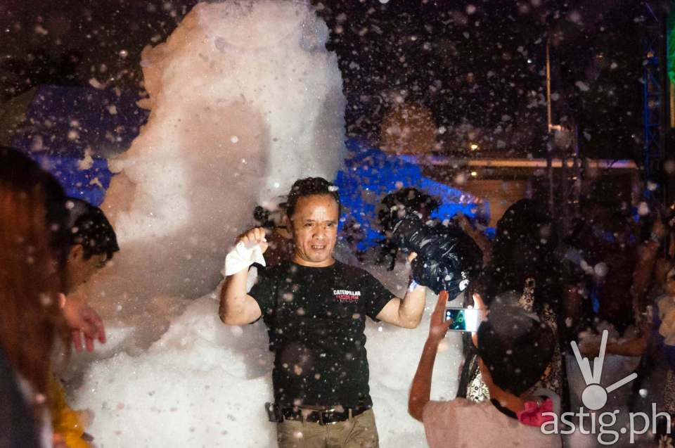 The foam machine got everyone wet and wild at the Globe Slipstream concert