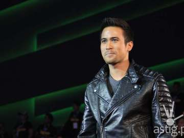 Sam Milby during the PBB Big Night opening number
