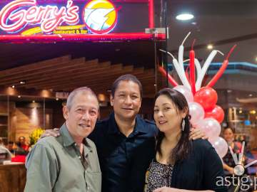 Gerry Apolinario with wife Grace and brother Rody