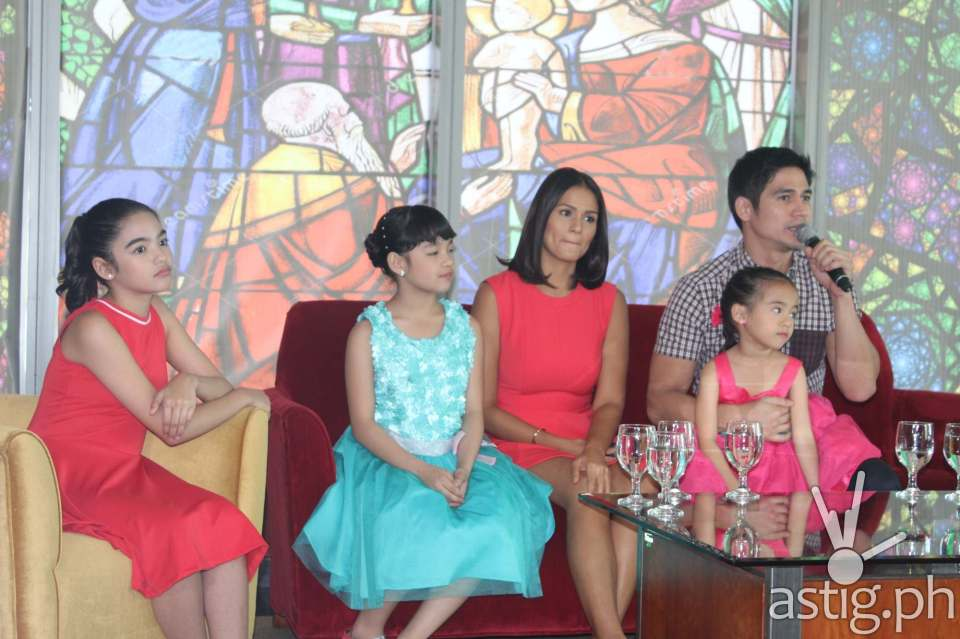 Hawak Kamay: The First Family of Primetime