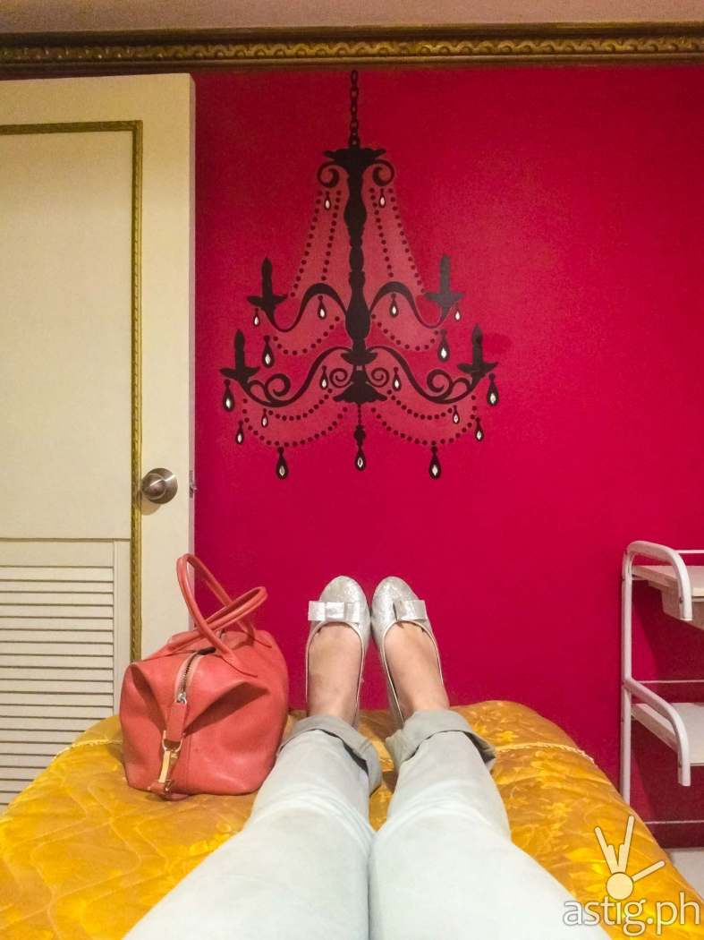 What a nice view. The room was all pink and I loved it.