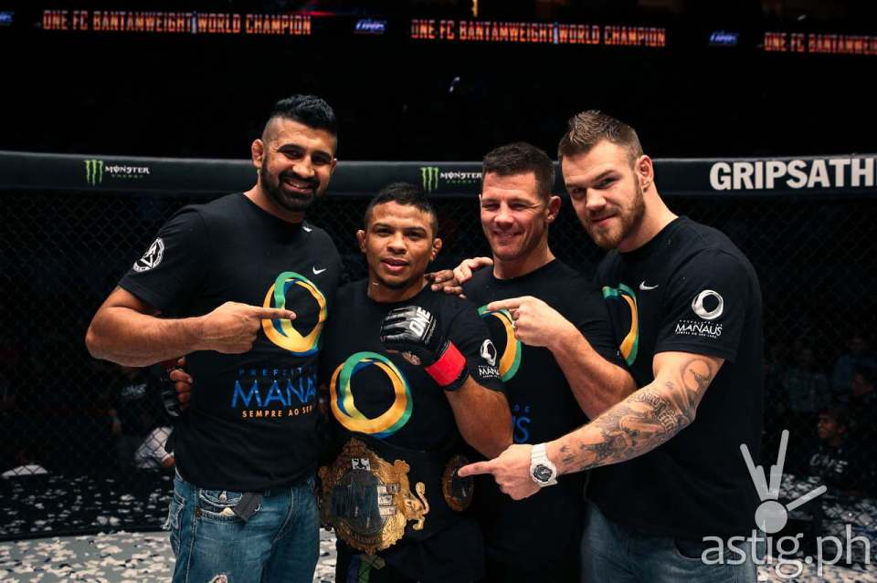Bibiano Fernandes retains the title by submitting Dae Hwan Kim via rear naked choke at 1:16 of round 2