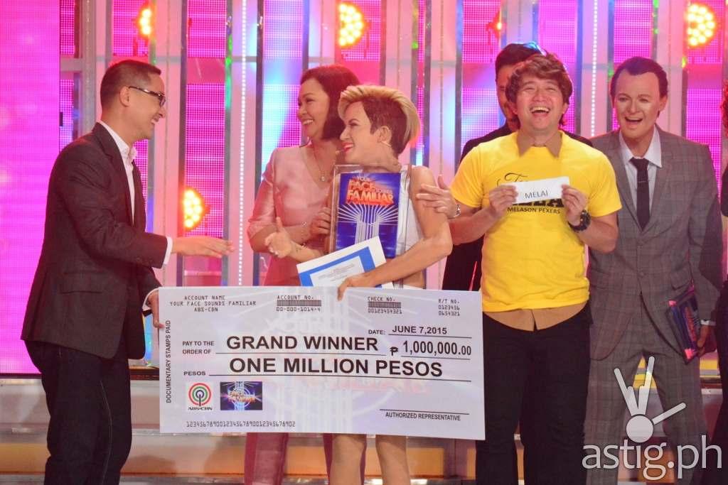 Melai (center) congratulated by ABS-CBN COO Carlo Katigbak and free TV head Cory Vidanes