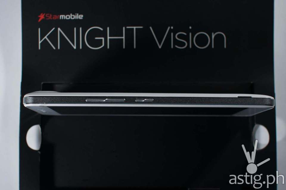 Starmobile Knight Vision with ISDB-T digital telelvision (9990 PHP on Lazada)