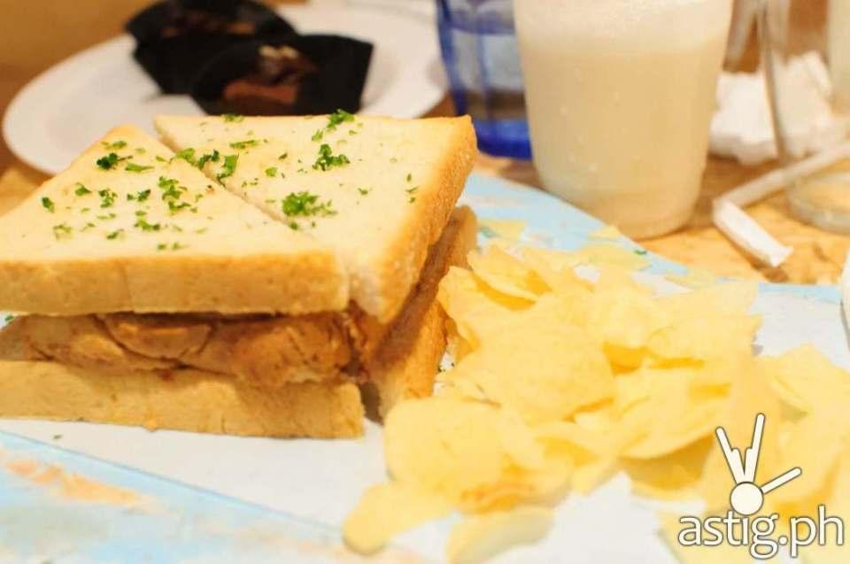 Reuben sandwich at Uke Box Caffe