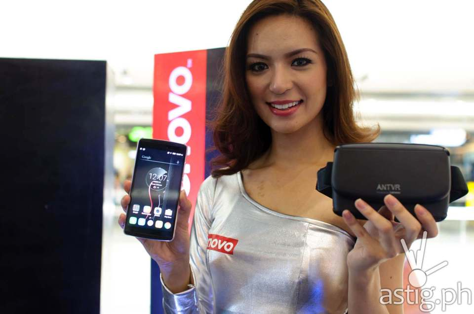 Lenovo VIBE X3 comes in Pearl White, while the Lenovo K4 Note comes with Pearl White and Matte Black colors