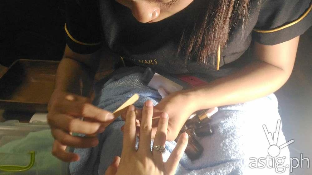 Celebrity Nails Pain free manicure