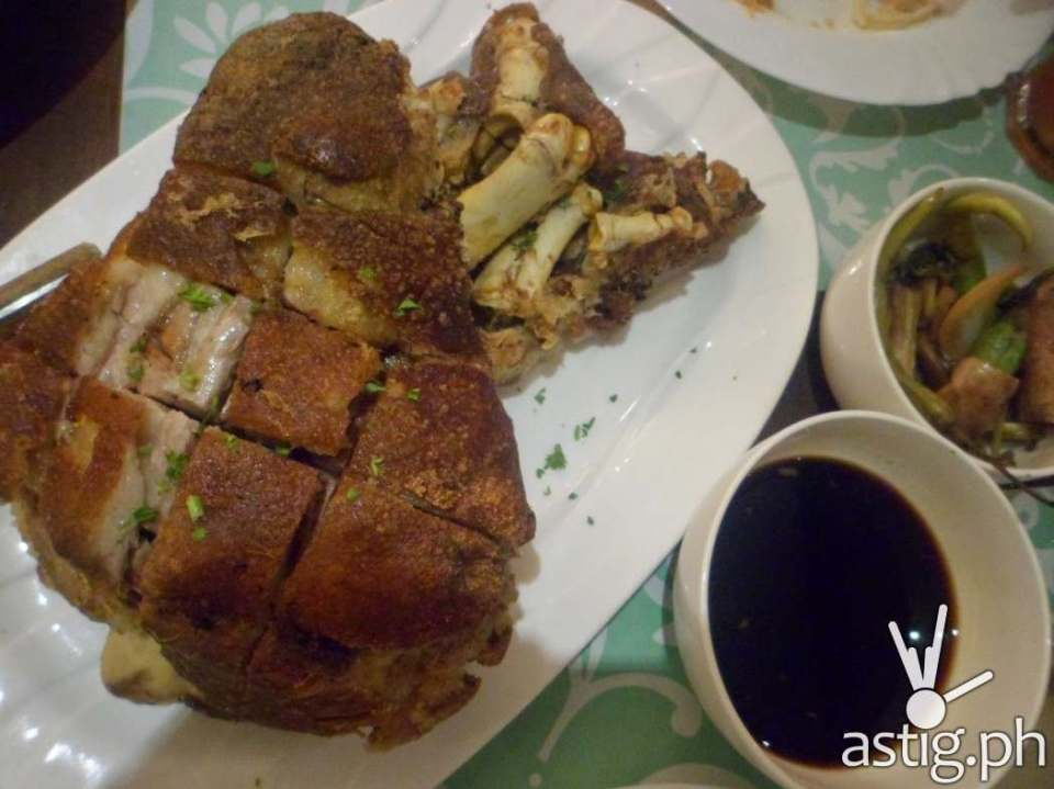 Crispy Pata - Pinac restaurant UP Town Center