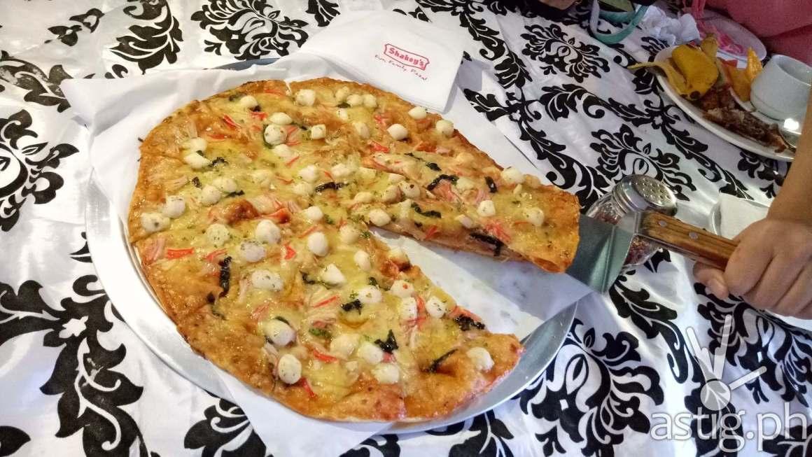 Shakey's Scallop Primo Pizza