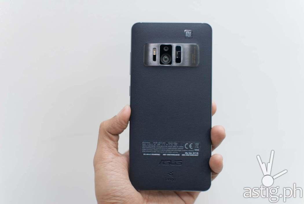 ASUS Zenfone AR - handheld