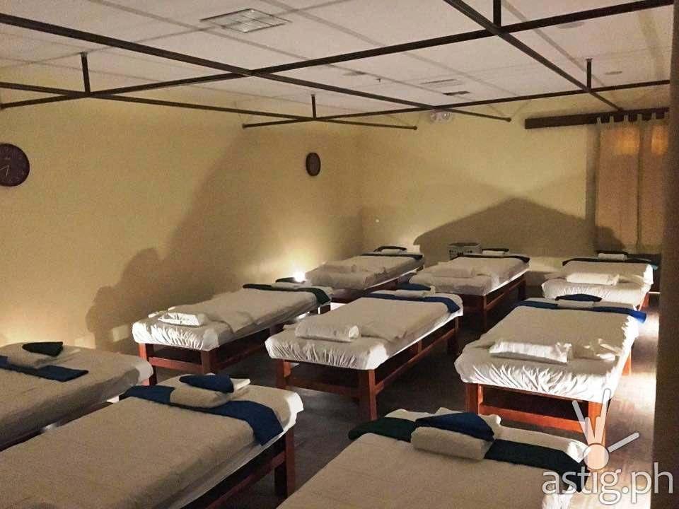 SM Kenko Spa at Winford Hotel Manila - Male Massage Room