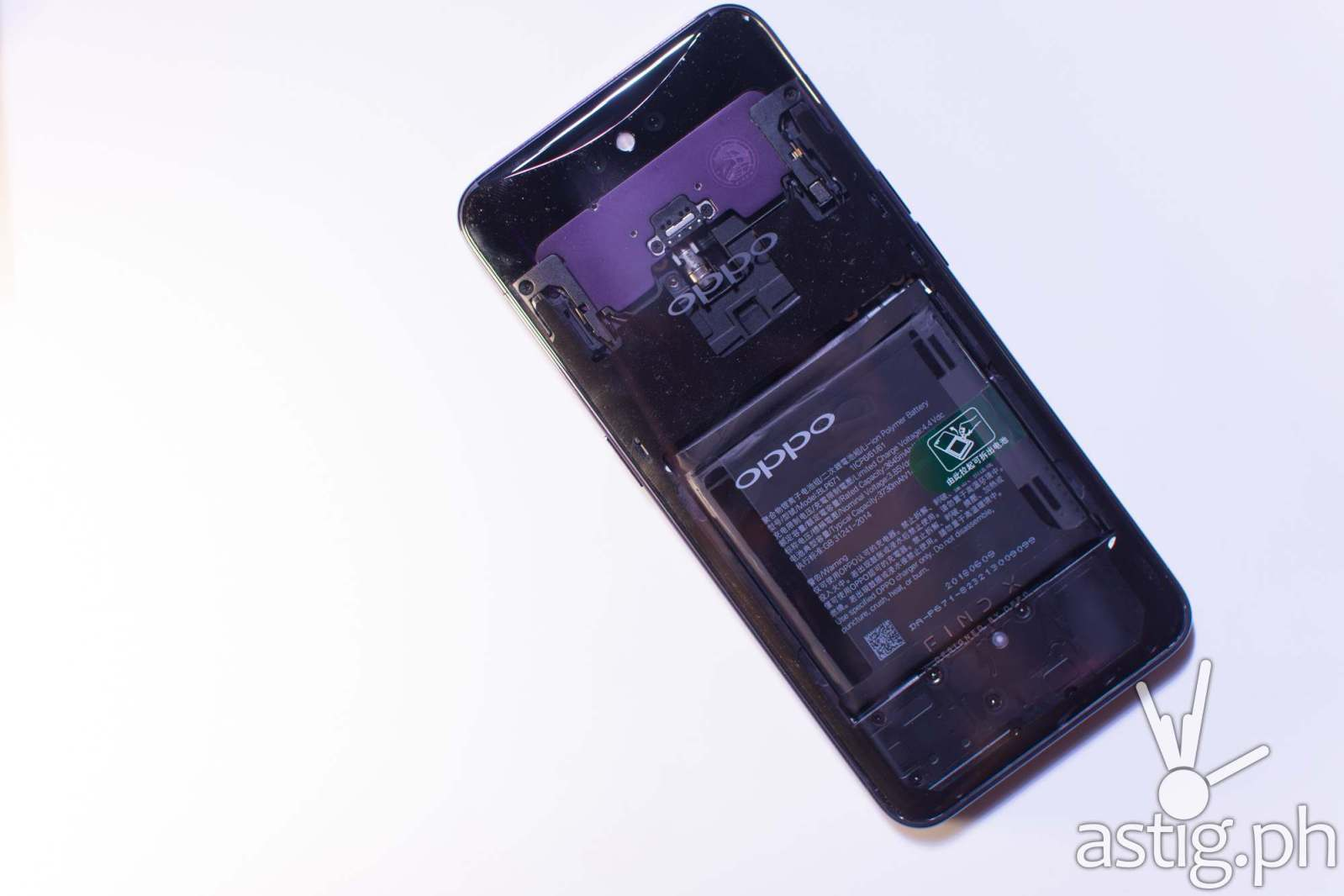 OPPO Find X with transparent back used to demonstrate the pop up camera mechanism - OPPO Find X Philippine launch