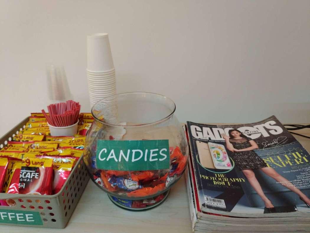 OPPO Service Center free snacks