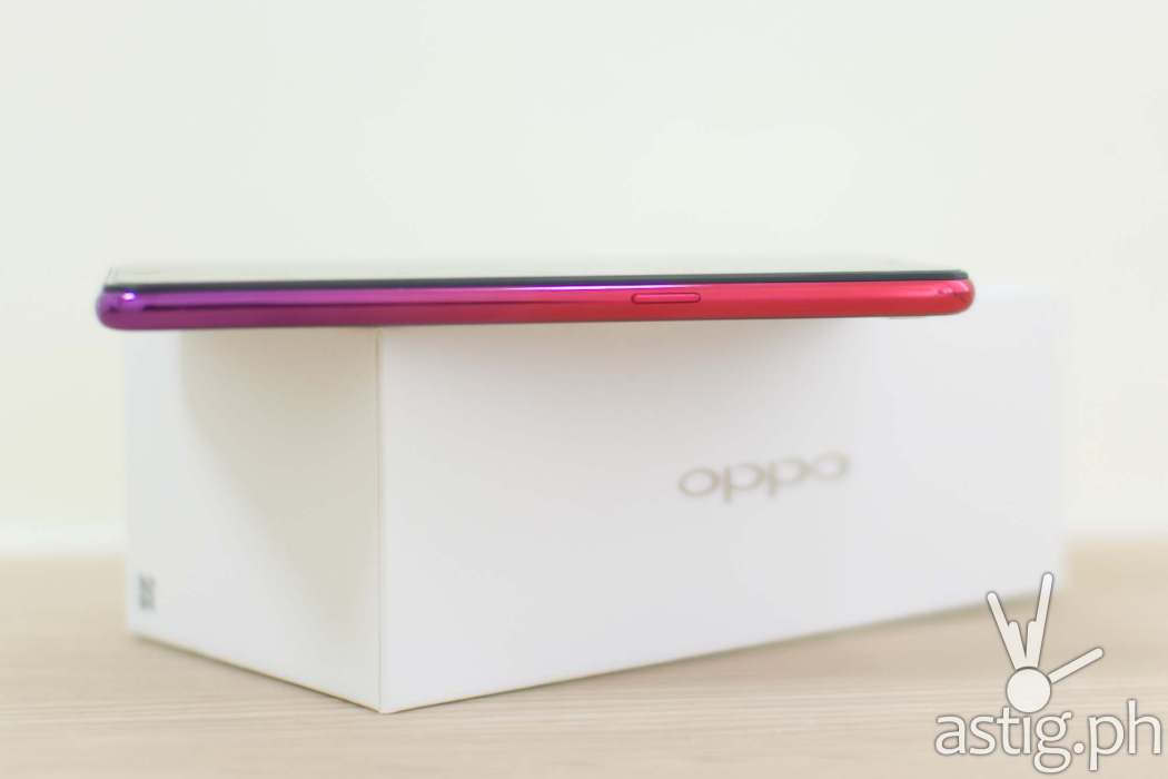 OPPO F9 Twilight Red side