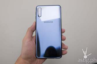 Back handheld vertical - Samsung Galaxy A7 (Philippines)