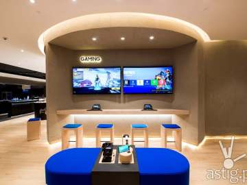 Gaming - Samsung flagship store Manila Philippines
