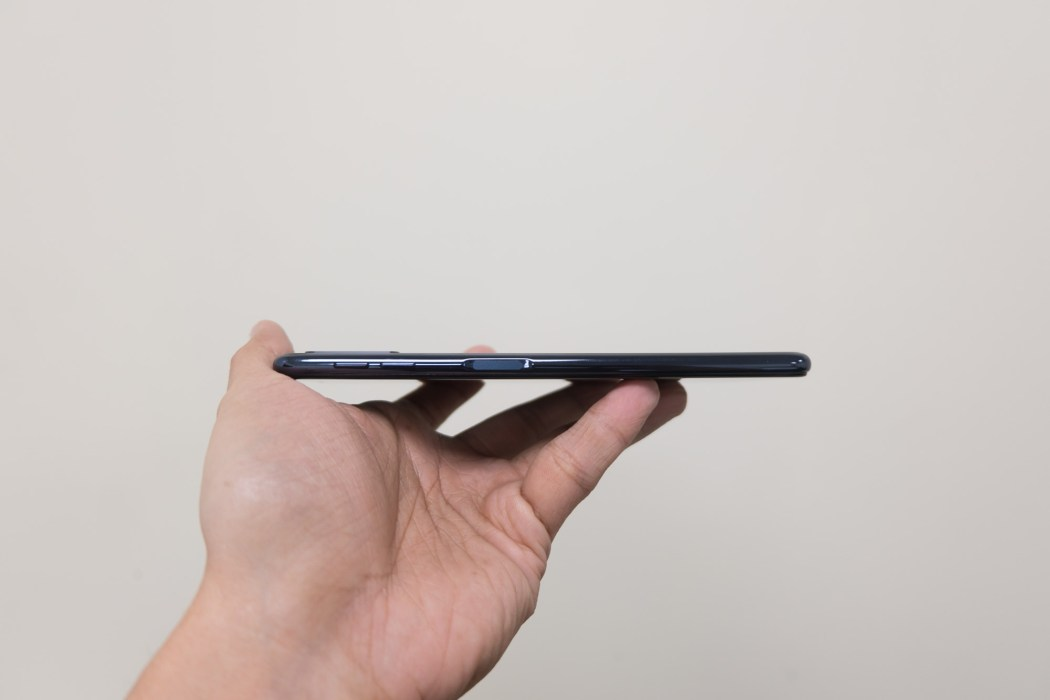 Right side showing Bixby button - Samsung Galaxy A7 (Philippines)