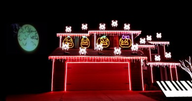 """""""This Is Halloween"""" Light Show 2017"""