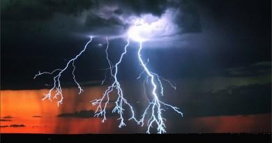 Stunning Timelapse Videos of Lightning Storms