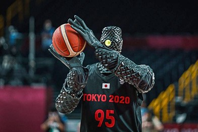 The AI-equipped Basketball Robot shows off at the Tokyo Olympics