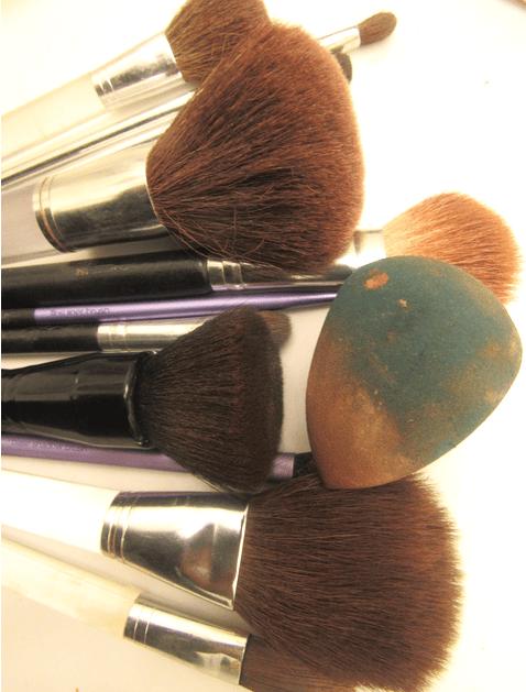 Dirty Makeup Brushes: Makeup Counter Hygiene 101