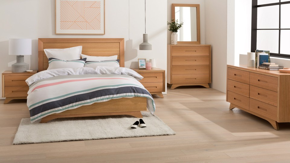 Valencia Tasmanian Oak Bedroom Furniture