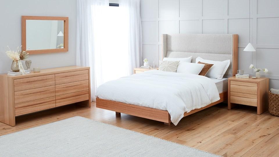 Rialto Tasmanian Oak Bedroom Furniture