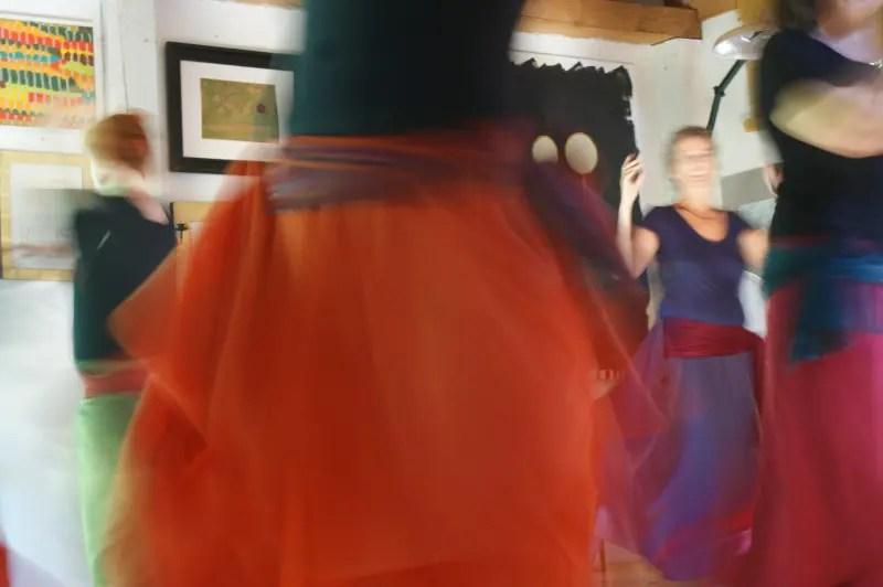 Tanz zu Dir Selbst - eine Fortbildung für Leiterinnen von bewegten Frauengruppen