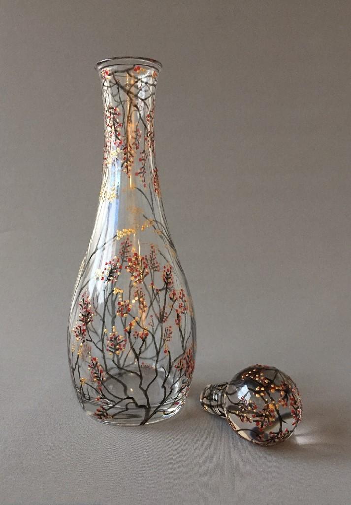 Karaf Wintertakjes (met flessenstop), gebrandschilderd glas, 32 x 11 cm, 2019