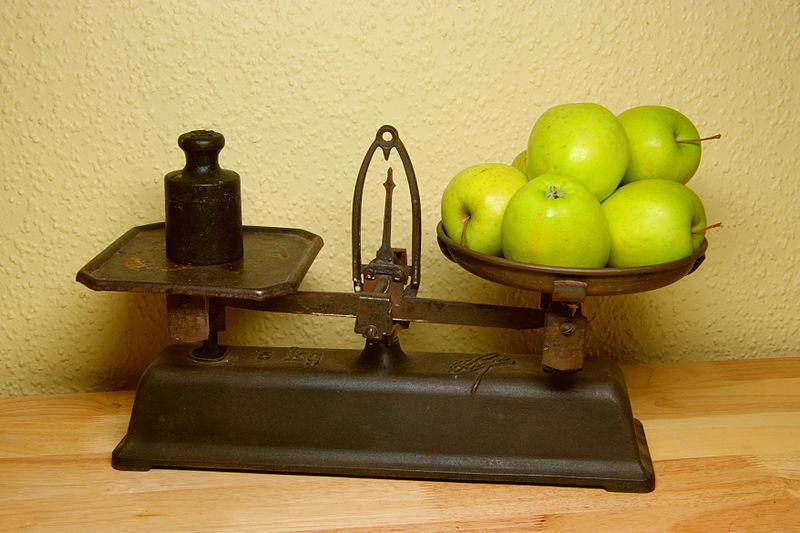 full-moon-libra-apple-scale