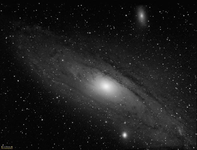 M31.Teleskop C6N (Newton 150/750) - ISO1600 21x140 sekund, montaż Vixen GPD2.